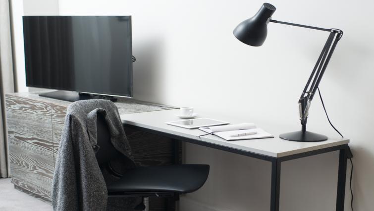 Work desk at Staybridge Suites London Vauxhall