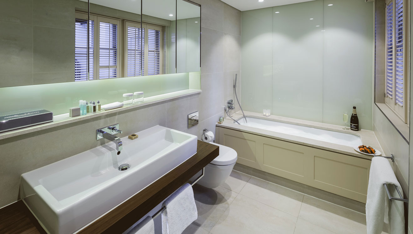 Bath at The Apartments by The Sloane Club