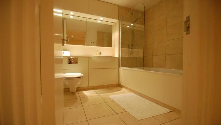 Bathroom in Hosier Lane Apartment
