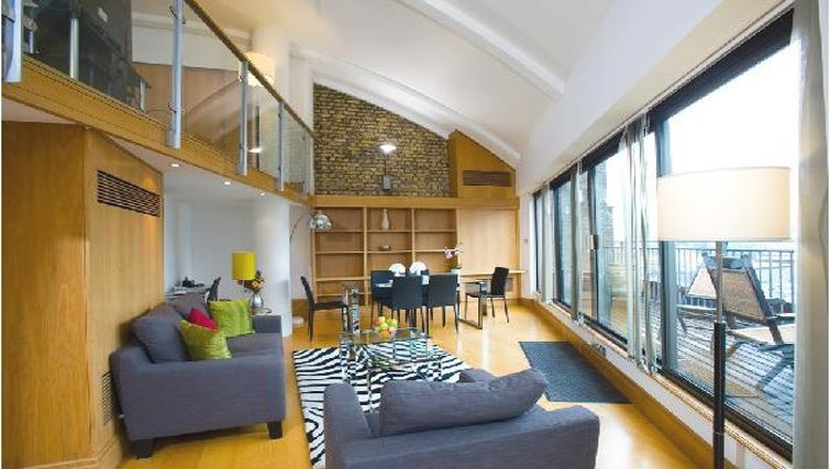 Phenomenal living area in Oakwood Monument Street Apartments