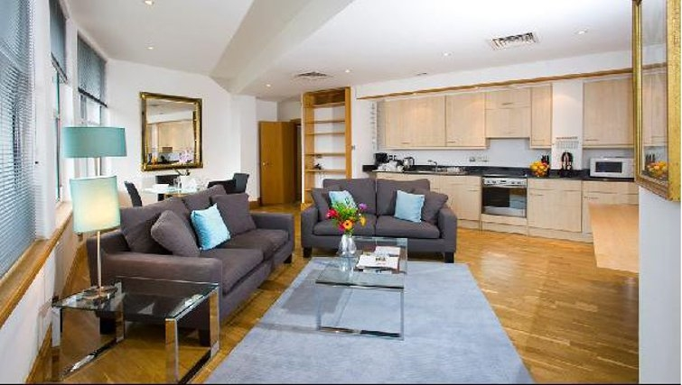 Open plan living area in Oakwood Monument Street Apartments