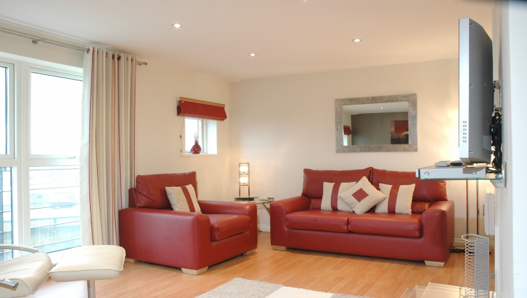 Fantastic living area in Curzon Places