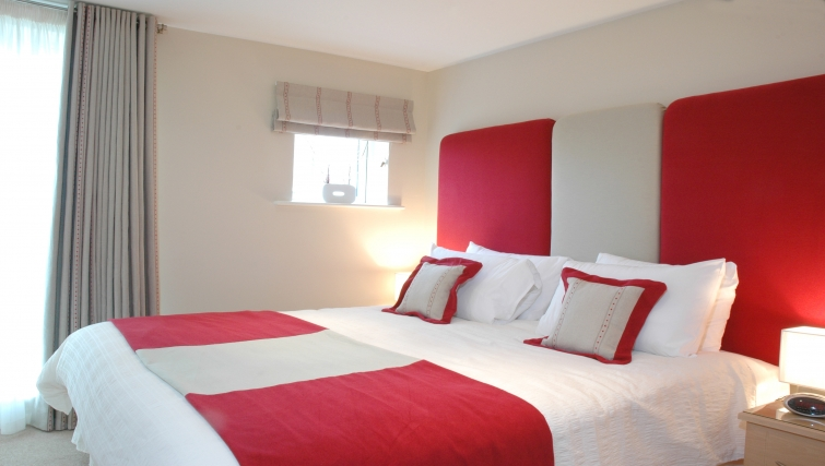 Colourful bedroom in Curzon Places