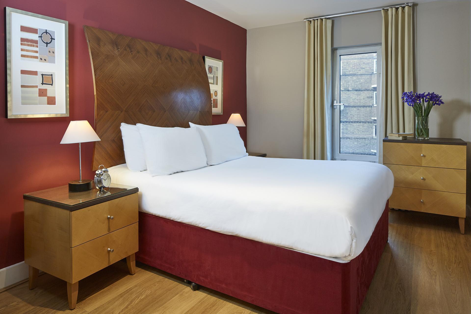 Bed at Empire Square Apartments, London Bridge, London