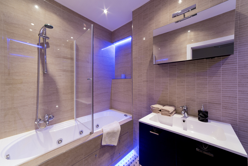 Modern bathroom at Villa Medici Apartments