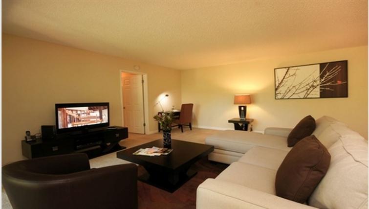 Living area at Oak Creek Apartments