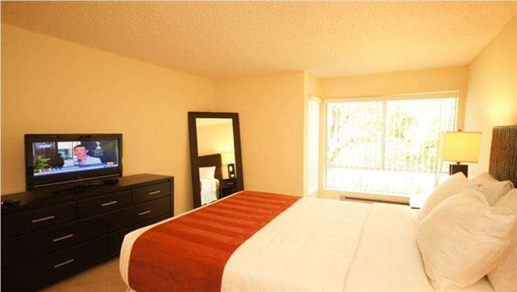 Double bedroom at Oak Creek Apartments