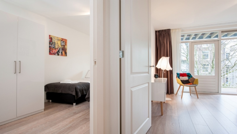 Bedroom/living area at Rijksmuseum Apartments, Amsterdam - Cityden