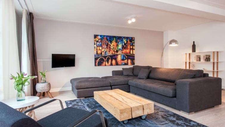 Living area at Rijksmuseum Apartments, Amsterdam - Cityden