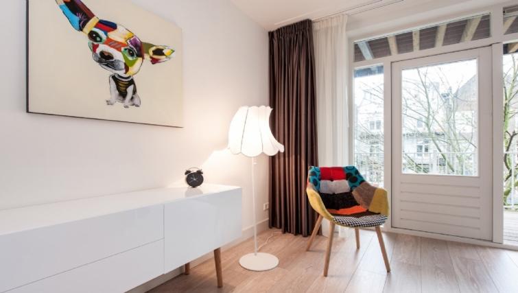 Modern living area at Rijksmuseum Apartments, Amsterdam - Cityden