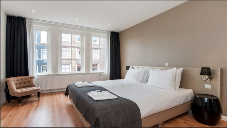 Spacious bedroom at Center Area Apartments, Amsterdam - Cityden