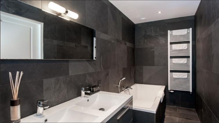 Pristine bathroom at Center Area Apartments, Amsterdam - Cityden