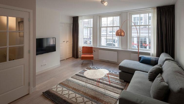 Modern living area at Jordan 9 Streets, Amsterdam - Cityden