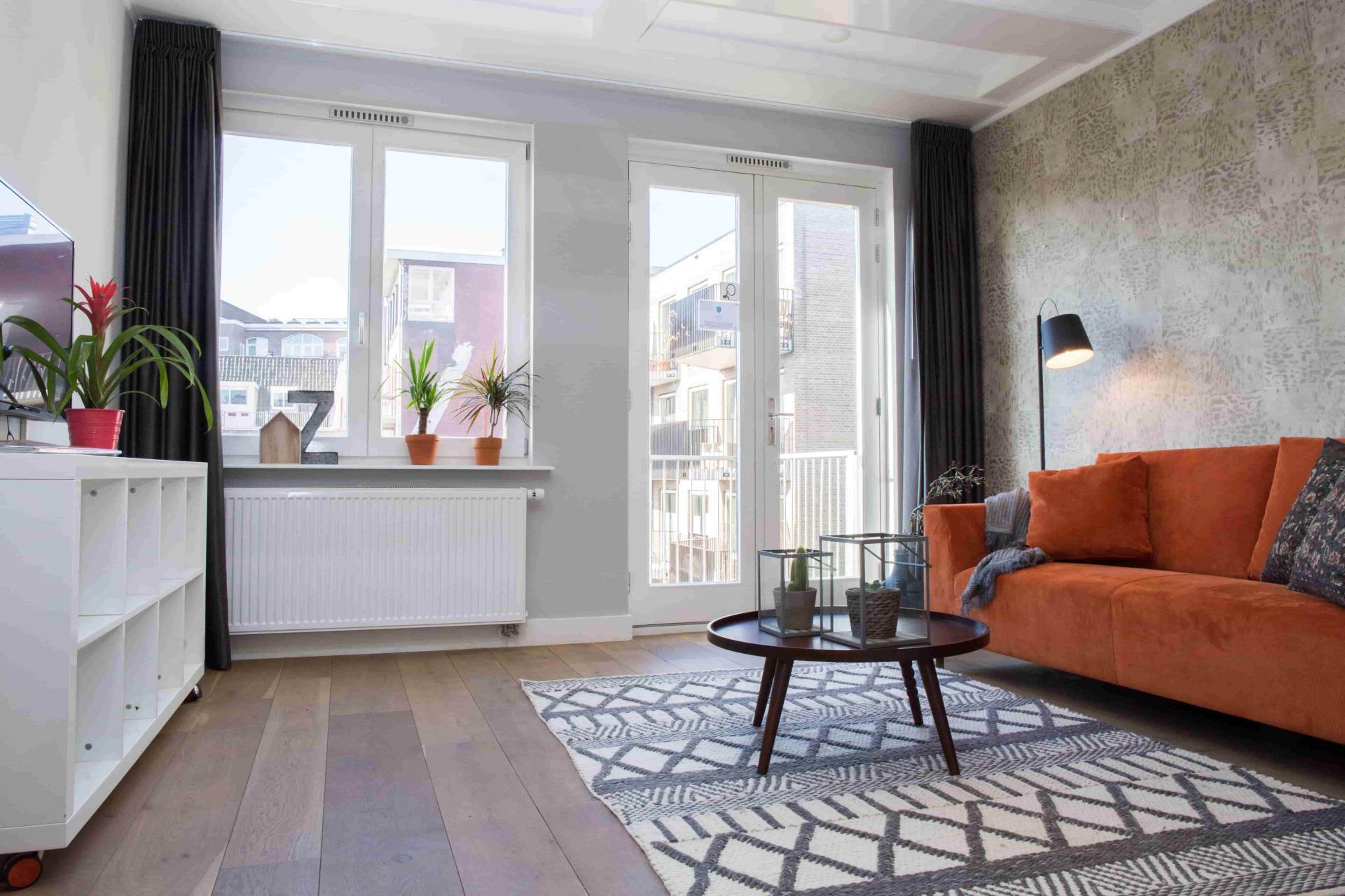 Tall windows at Old Center Apartments, Amsterdam - Cityden