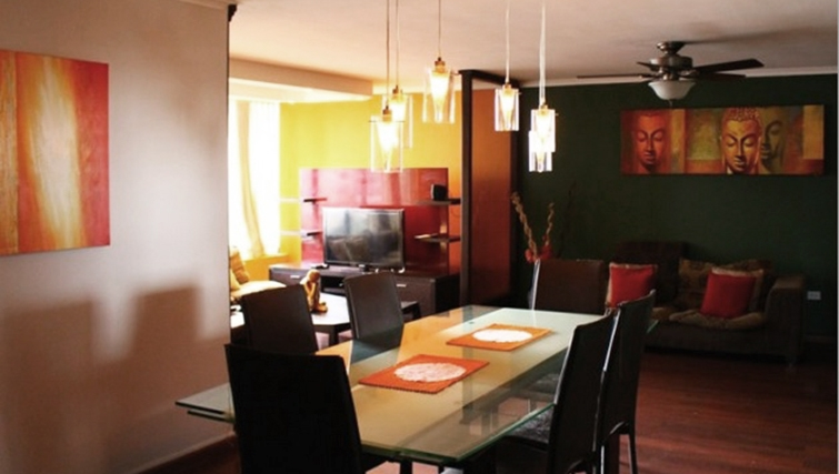 Dining area at Winston Apartment