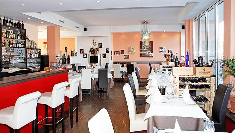 Restaurant at Paragon Apartments