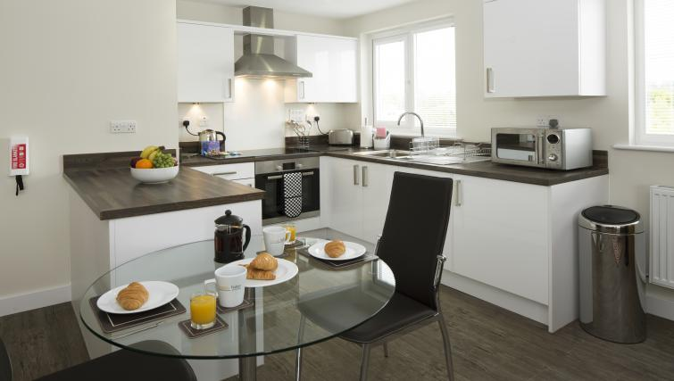 Dining area at Beneficial House Apartments
