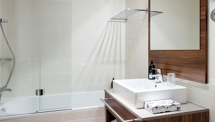 Bathroom at Adagio la Defense Courbevoie