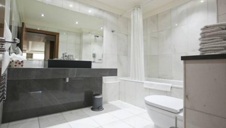 Modern bathroom at Sanctum Maida Vale