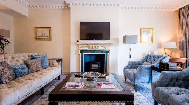 Living room at 9 Hertford Street Apartments