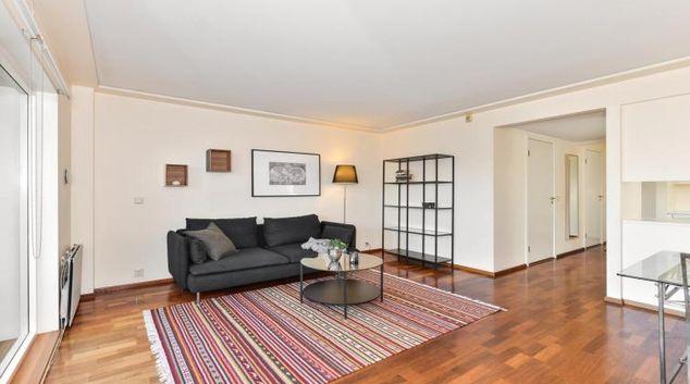 Living area at Beddingen Apartments