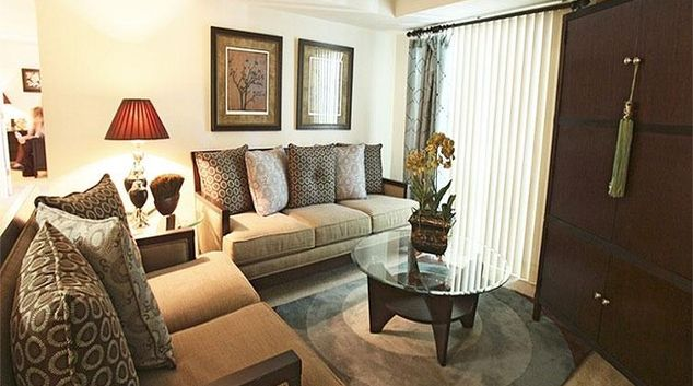 Living area at Pinebrook Apartments
