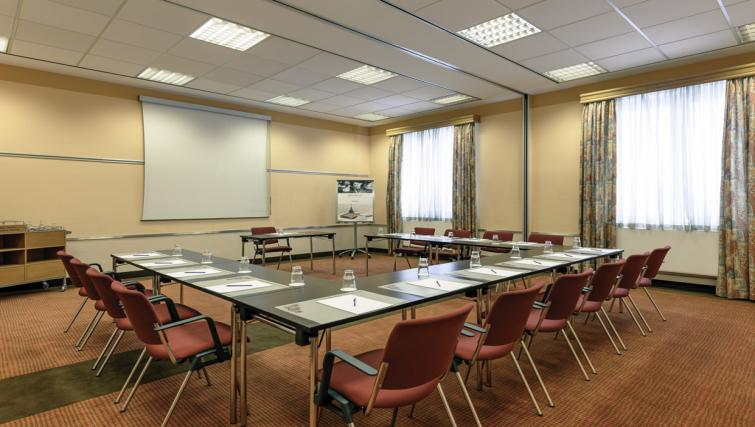 Meeting room at Wings Boardinghouse Apartments
