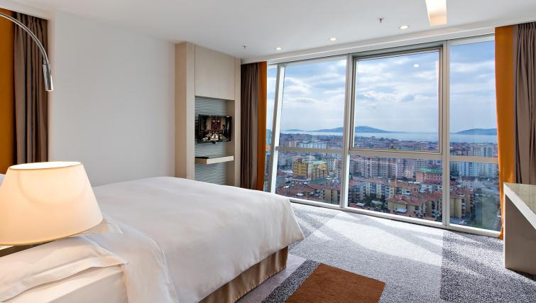 Bedroom at Tango Arjaan Apartments