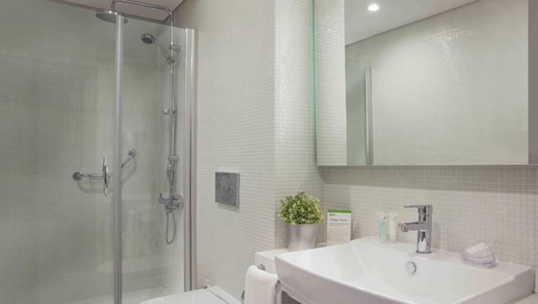 Bathroom at Burgu Arjaan Apartments