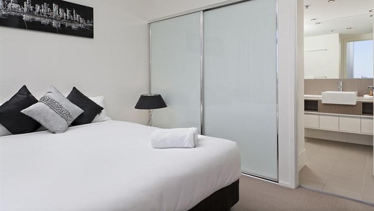 Double bedroom in 2 bed at Mantra on the Quay