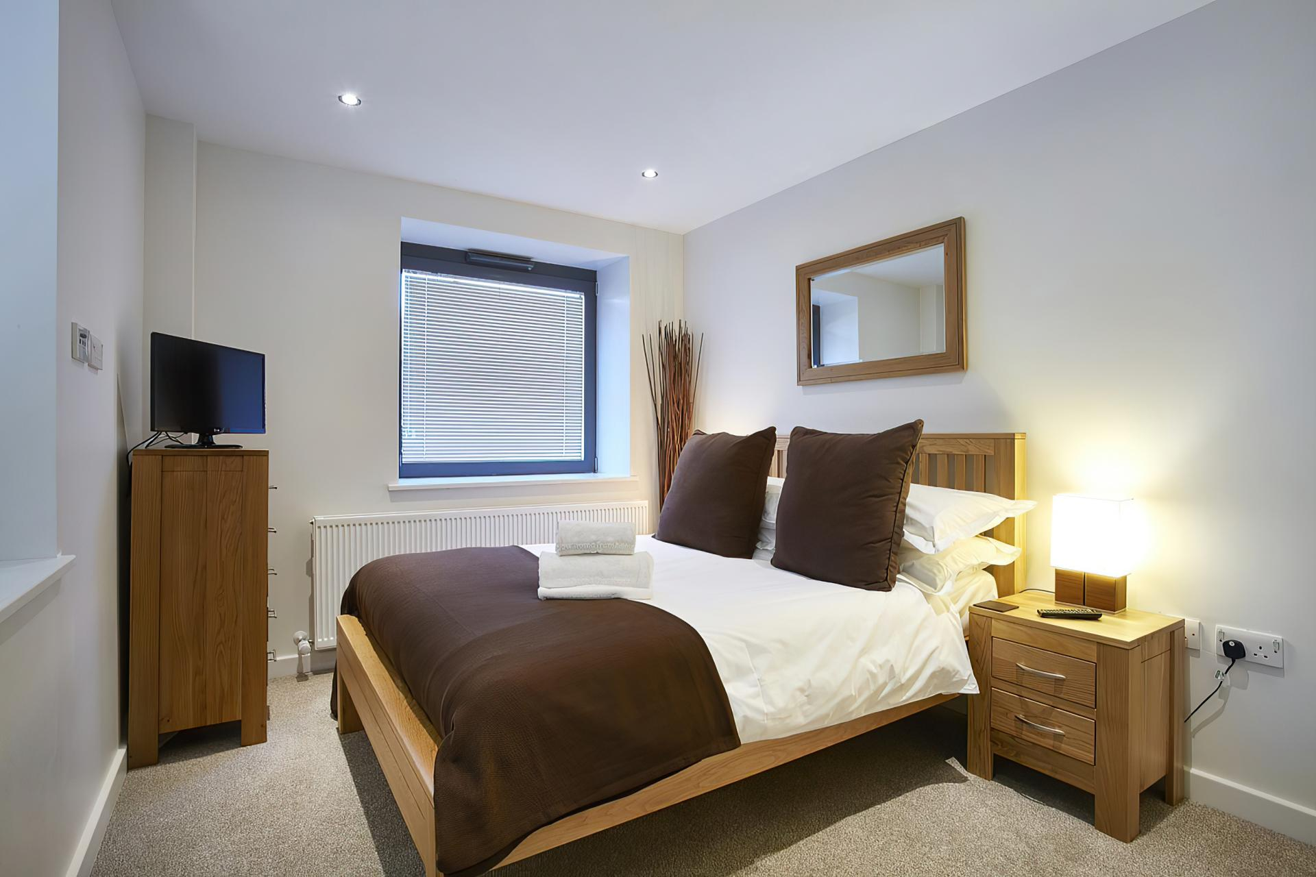 Bedroom at Colne Lodge Apartments, Centre, Staines