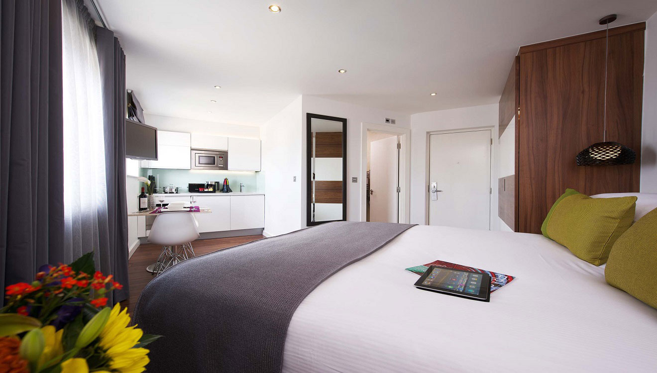 Open-plan at Fraser Place Canary Wharf