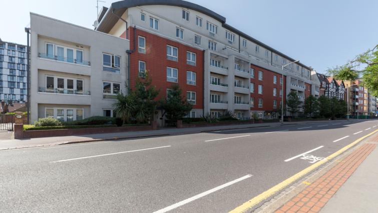 Exterior of Park Lane Apartments