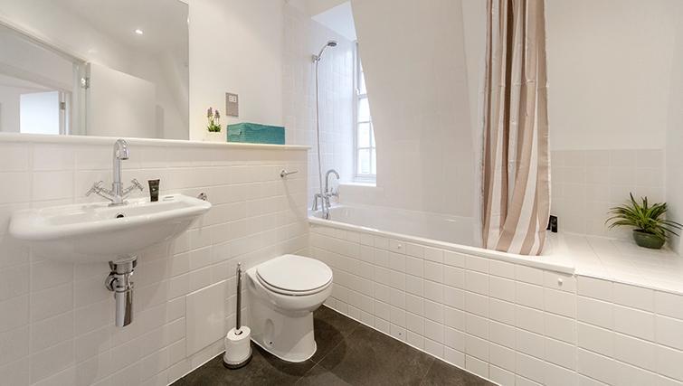 Bathroom at Groveland Court Apartments