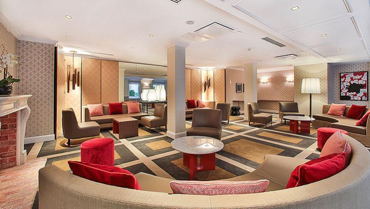 Extended communal area at Fraser Suites Le Claridge Champs-Elysees