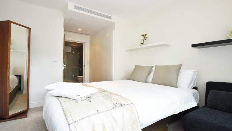 Bedroom at Still Life Vauxhall