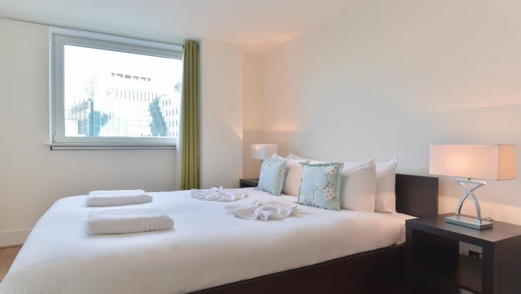 Bright and airy bedroom at Still Life Vauxhall