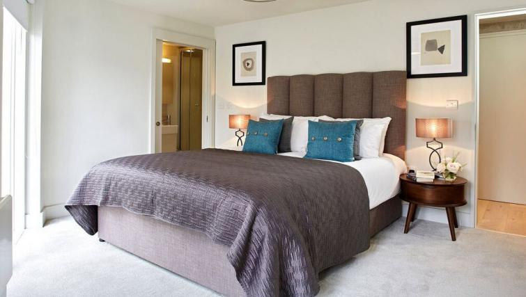 Bedroom at Oakwood Leather Lane