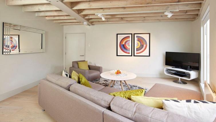 Living room at Oakwood Leather Lane