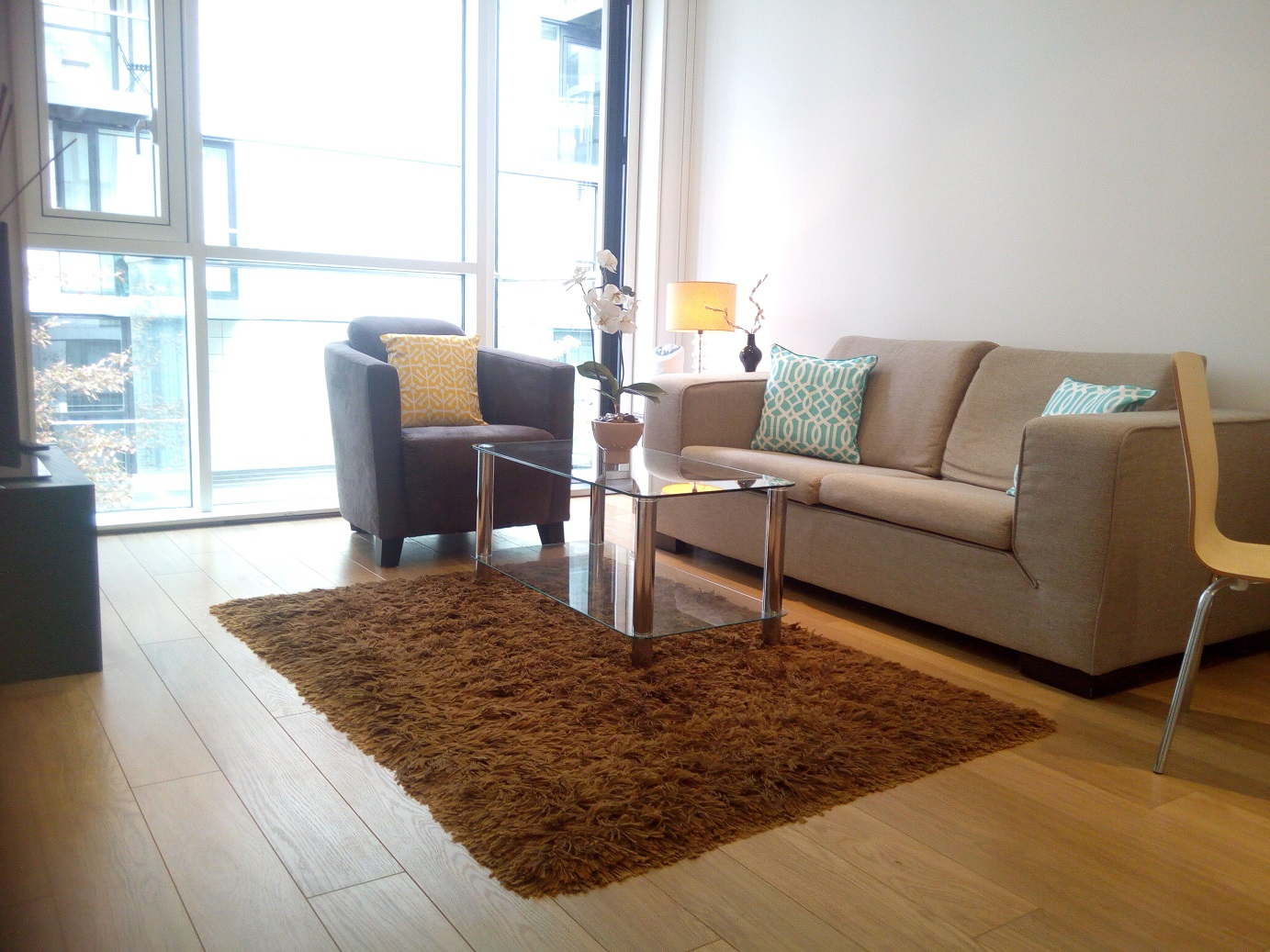 Lounge at Still Life Tower Hill Deluxe