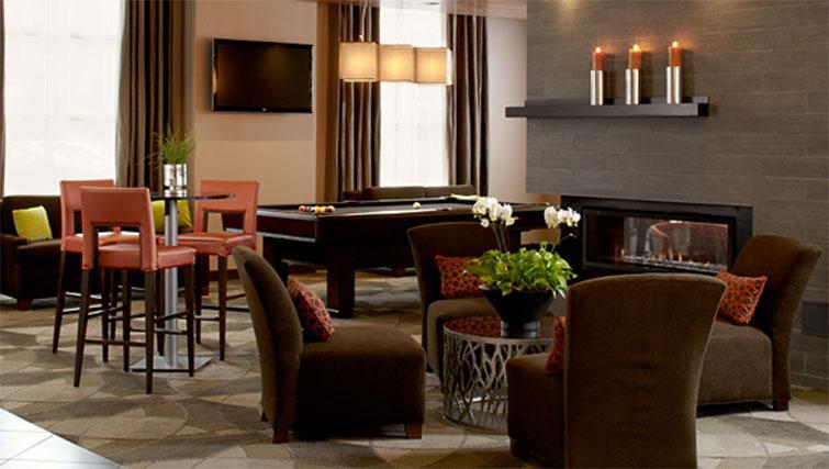 Bar area at Hyatt House Philadelphia-King of Prussia