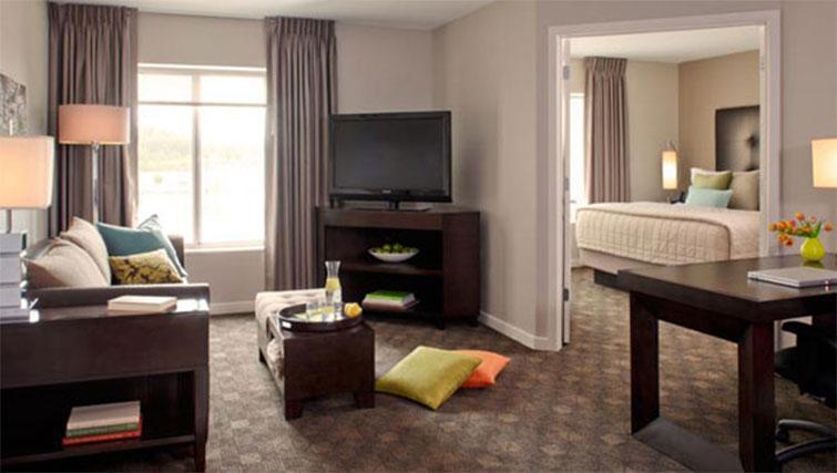Living area at Hyatt House Philadelphia-King of Prussia