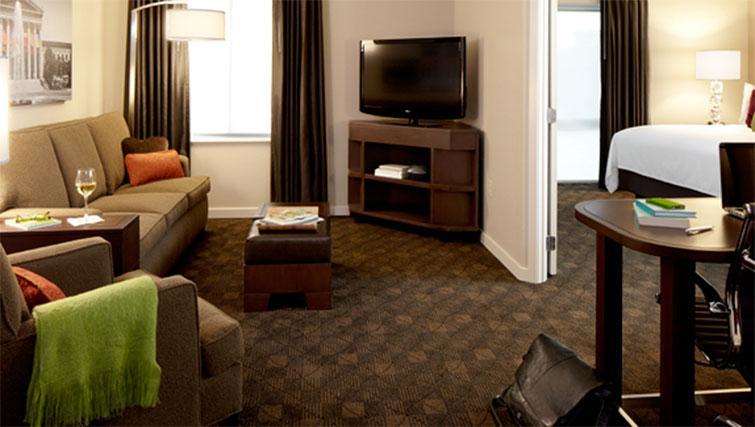 Living room at Hyatt House Philadelphia-King of Prussia