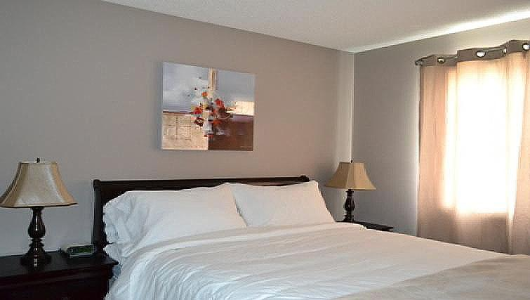 Double bedroom at Ellerslie Heights House