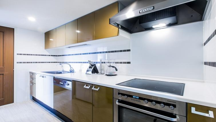 Fully equipped kitchen at Somerset Shinagawa Apartments