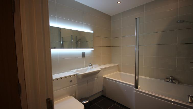 Bathroom at St Giles Court Apartments