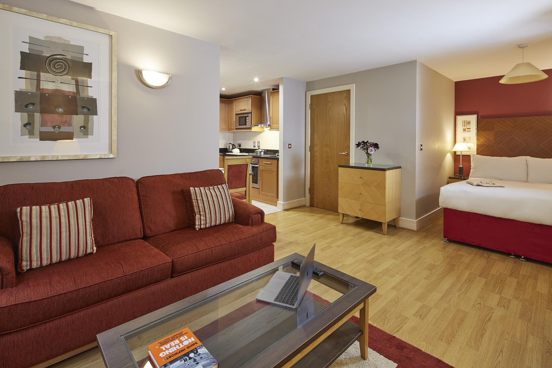 Spacious studio at Queen Street St Paul's Apartments, Mansion House, London