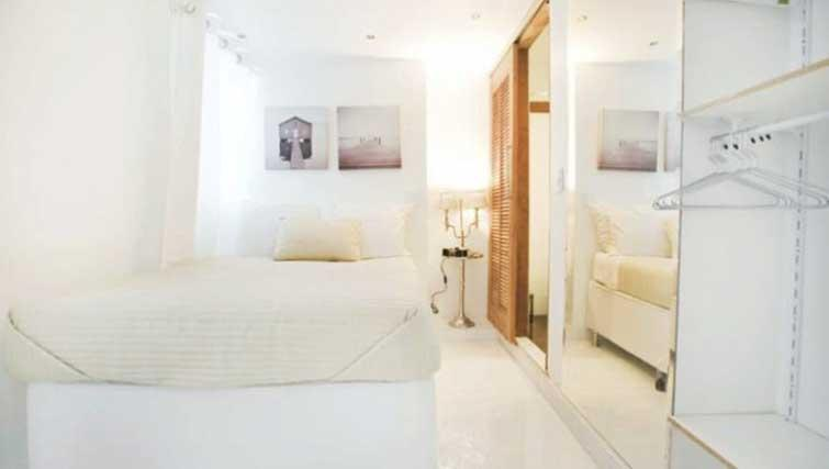 Bed at Vinicius Apartment