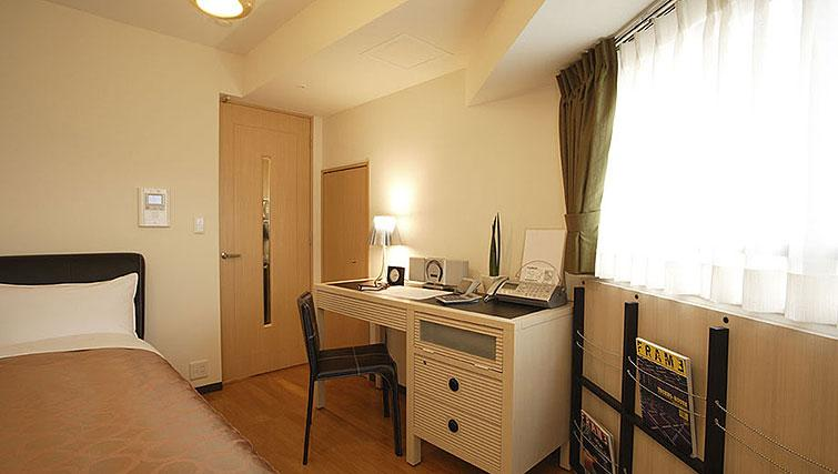 Akihabara Apartments - SilverDoor