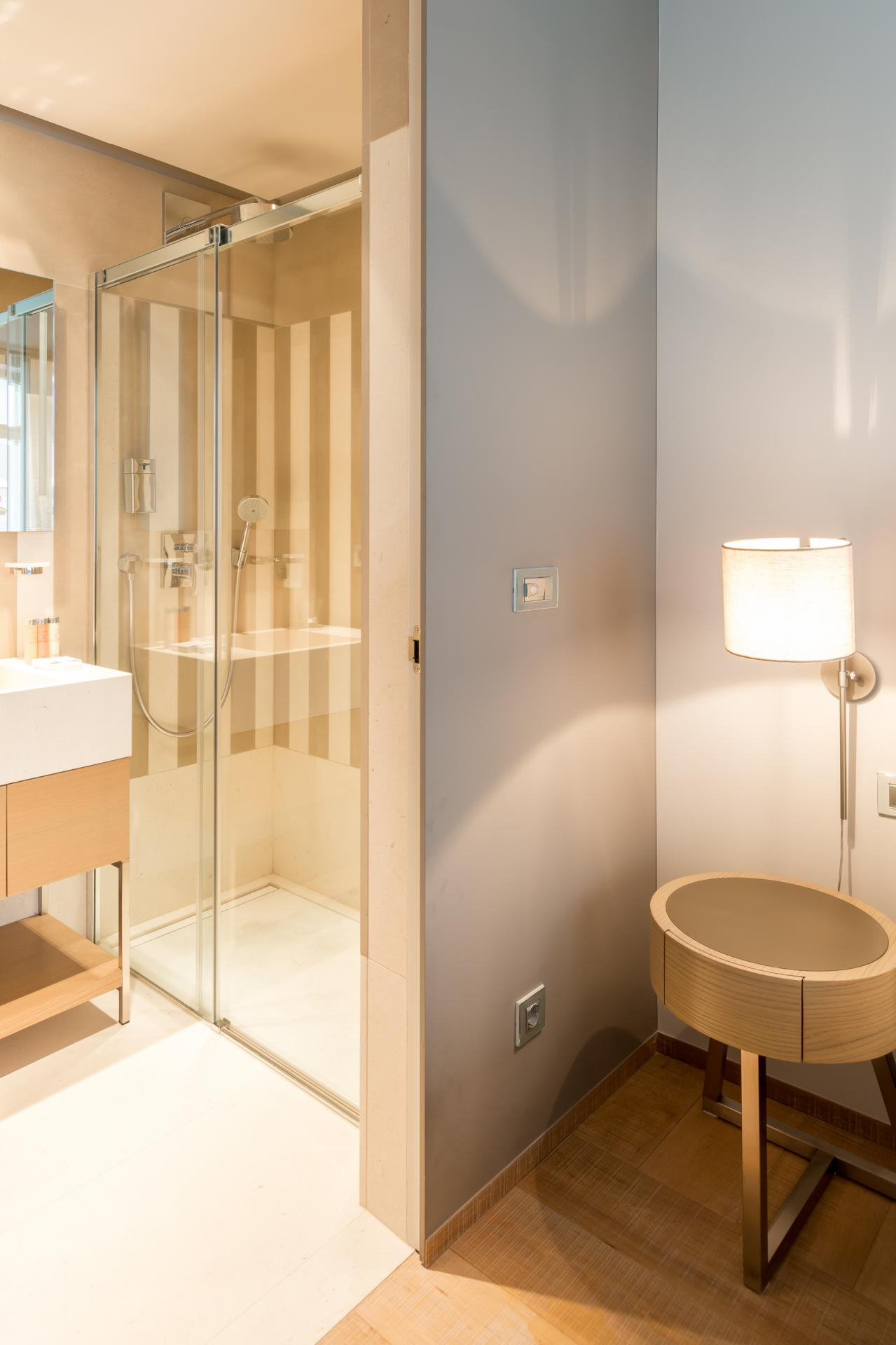 Shower at Guillaume Suites